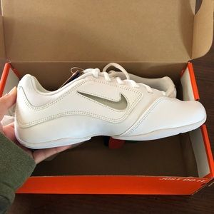 NWT Nike Sideline 2 II Insert Cheer Dance Shoe